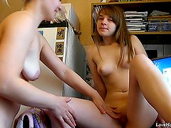 Blonde And Brunette on lesbian show