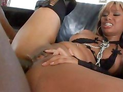 Bella Moretti loves a good fuck up her dirty asshole to perfection