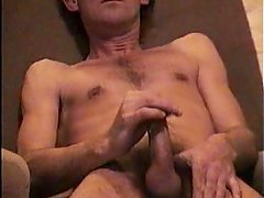 HIDDEN CAM OF STEVE PATRICK WANKING AND CUMS