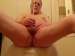 My first pissplay of the day, drinking my piss & pissing on myself