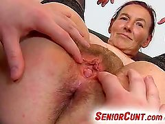 Grandma Linda pussy spreading close-ups and dildo-fucking