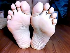 Amateur Foot Soles & Big Feet Long Toes Show HD 02