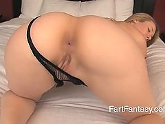 Taylor sky farting on bed