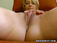 Amateur girlfriend toys her pussy and sucks dick