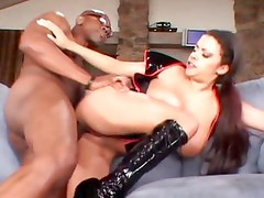 Alexis Silver finds out why black men are always in porn nowadays