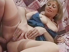 British milf politely gets her pussy rammed