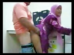 indonesian Big Ass slut get fucked in arab