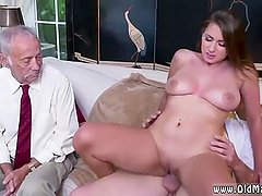 Amateur seduced virgin Ivy impresses with