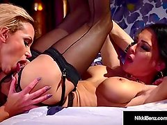Stunning Blonde Nikki Benz & Jessica Jaymes go muff diving!
