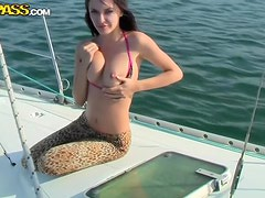 Fucking And Incredibly hot Brunette With A Shaved Pussy