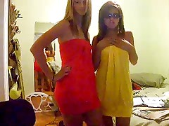 Two Hot Teens, Girls Dance