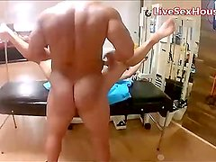 Gym quickie as a workout classic