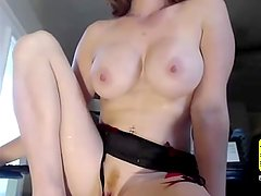 Webcam Model Play with Tits