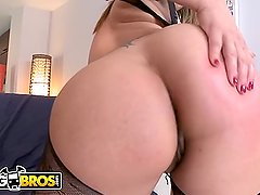 BANGBROS - Latina Named Gia Shows Off Her Amazing Big Ass & Big Tits