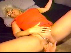 He shaves mature pussy and fingers it