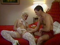 80s babe in stockings laid in retro porn