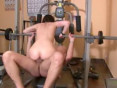 Fun fuck slut banged hard in gym
