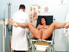Sexy mature mom gets her pussy inspected