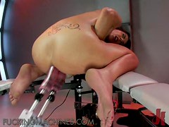 Brunette Gets Her Pussy Stretched Out By A Fucking Machine