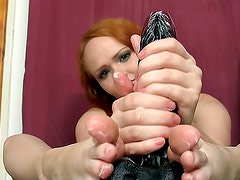 Nude and hot Samantha is masterfully doing foot exercises