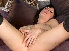Admirable and lusty Samantha Bentley is masturbating her pussy