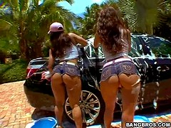 Sexy bubble butt hotties Car Wash Bottoms action