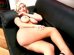 Big Breasted Blonde MILF Kate Hunter Masturbates Her Wet Shaved Cunt