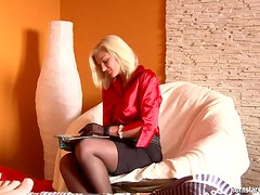 Fucking Her Hard And Creaming Her Blouse In POV Vid