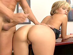Jenny Hendrix gets her ass fucked & spermed