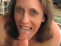 Boyfriend has thick cock for her to suck