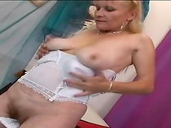 Mature slut in lingerie fuck and facial