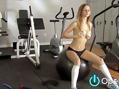 Hot Teen With Big Tits Masturbates at Gym