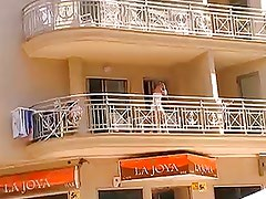 hidden camera girl without panties on balcony