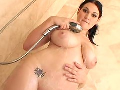 Cassandra Calogera showers curvy body