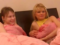 Beata and Loly russians share one penis