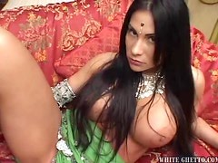 Indian Beauty Gets Creampied in a Hot Clip