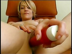 Amateur vibes her sweet pussy before sucking cock