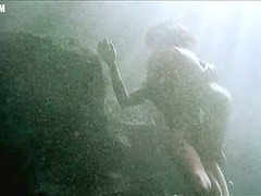 Sexy Juliette Lewis Shows It All In a Bonerific Underwater Sex Scene