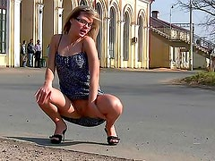 Teen flashes in a public square