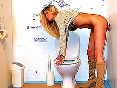 Stunning Blonde Babe With a Busty Rack Gets Lucky Through a Glory Hole