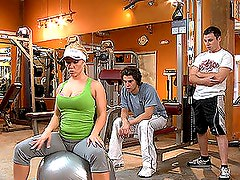 Blonde MILF Gets a Sixty Nine at the Gym