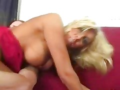 Busty Milf need a juicy and hot sex