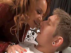 HOT COUGAR AND YOUNGER GUY : JANET MASON