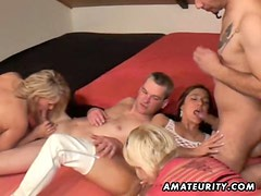3 amateur Milf share 2 cocks ! Homemade groupsex action