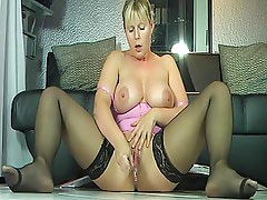 The Most Pussy Squirting World Record Of All Time On Camera