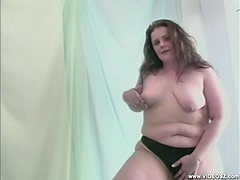 BBW Brunette Playing with her Coochie and Clit