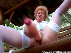 Granny fucks huge cock into her old pussy