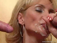 Horny Blonde Cougar In Amazing Threesome Scene