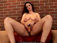 Big boobs babe masturbates with dildo