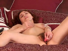 Amateur mom fucks her hairy cunt